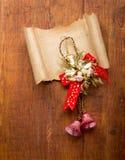 圣诞节装饰和老纸与copyspace 库存照片
