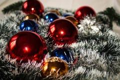 圣诞节装饰和花圈 库存照片