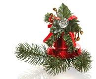 圣诞节装饰品。 手铃和毛皮结构树胸罩 库存图片
