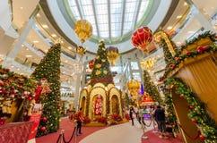圣诞节装饰在亭子吉隆坡 人们在它附近能看的探索和购物 图库摄影