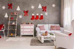 圣诞节装饰在休息室 库存照片