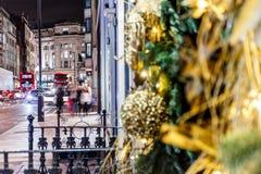 圣诞节装饰在梅费尔,伦敦 库存图片