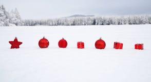圣诞节装饰多雪的横向 免版税库存图片