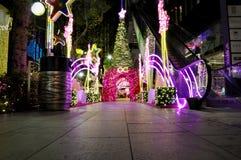 圣诞节装饰夜视图  免版税图库摄影