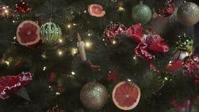 圣诞节装饰新年度 摘要被弄脏的Bokeh假日背景 眨眼睛诗歌选 圣诞树点燃瞬息 股票视频