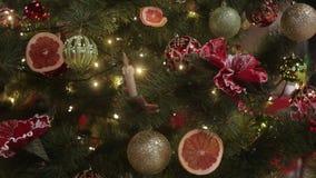 圣诞节装饰新年度 摘要被弄脏的Bokeh假日背景 眨眼睛诗歌选 圣诞树点燃瞬息 影视素材