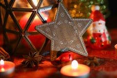 圣诞节装饰生态学木 圣诞树和圣诞节星 免版税图库摄影