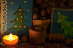 圣诞节装饰生态学木 圣诞节 圣诞前夕礼品节假日许多装饰品 看板卡圣诞节问候 库存照片