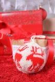 圣诞节装饰生态学木 大圣诞节球 免版税图库摄影