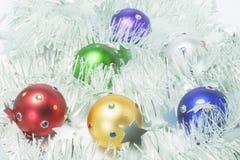 圣诞节装饰闪亮金属片 库存照片