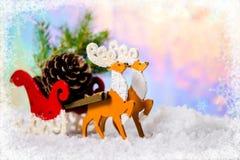 圣诞节装饰驯鹿和圣诞老人雪橇wi的构成 库存图片
