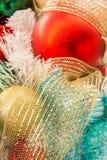 圣诞节装饰,多彩多姿的装饰品 免版税库存图片