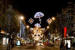 圣诞节装饰,牛津街道 免版税图库摄影