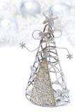 圣诞节装饰-圣诞树由金属制成 库存图片