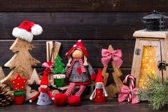 圣诞节装饰und灯笼 标志xmas 免版税库存照片