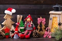 圣诞节装饰und灯笼 标志xmas 免版税库存图片