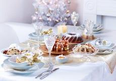 圣诞节豪华餐位餐具 免版税库存照片