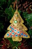 圣诞节金结构树葡萄酒 库存图片