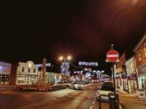 圣诞节镇晚上视图 免版税库存照片