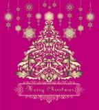 圣诞节问候与金黄Xmas树的葡萄酒卡片和与snowlakes的垂悬的装饰 库存照片