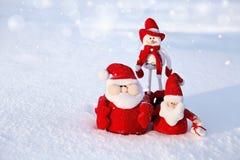 圣诞节雪人和圣诞老人 库存照片
