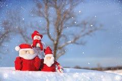 圣诞节雪人和圣诞老人 图库摄影