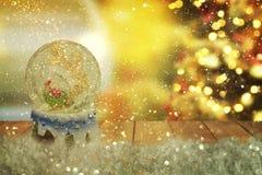 圣诞节雪地球 新年度 免版税图库摄影