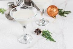 圣诞节雪花马蒂尼鸡尾酒 免版税库存图片