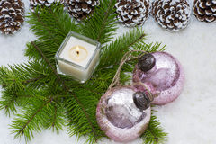 圣诞节静物画有灼烧的蜡烛 免版税库存照片