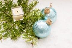 圣诞节静物画有灼烧的蜡烛 免版税库存图片