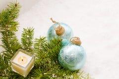 圣诞节静物画有灼烧的蜡烛 库存照片