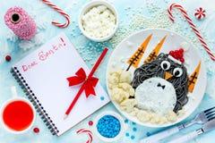 圣诞节食物艺术企鹅 免版税库存照片