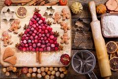 圣诞节食物 烹调的圣诞节烘烤,名列前茅vi成份 免版税库存照片