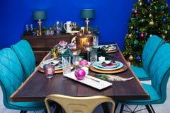 圣诞节餐桌装饰 库存照片