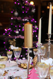 圣诞节餐桌 免版税库存照片