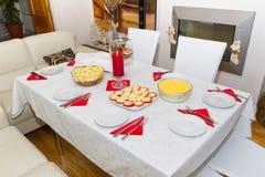 圣诞节饭桌白色 免版税库存图片