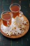 圣诞节饮料和曲奇饼 图库摄影