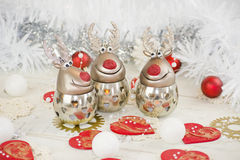 圣诞节驯鹿和装饰品 图库摄影