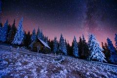 圣诞节魔术夜 免版税库存图片