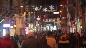 圣诞节,伊斯坦布尔istiklal街道,土耳其12月2016年, 影视素材