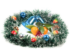 圣诞节,新年的装饰和蜜桔切片 图库摄影