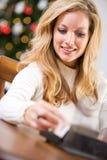 圣诞节:查寻地址卡片的 免版税库存图片