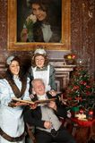 圣诞节维多利亚女王时代的著名人物 库存图片