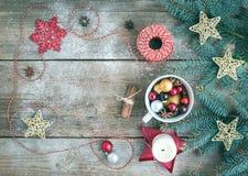 圣诞节(新年)与拷贝空间的装饰背景:a 免版税库存图片