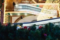 圣诞节购物中心购物结构树 免版税库存照片