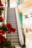 圣诞节购物中心购物结构树 免版税库存图片