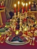 圣诞节主题的饭桌 免版税库存照片