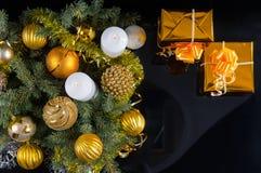 圣诞节主题金子的生活 库存图片