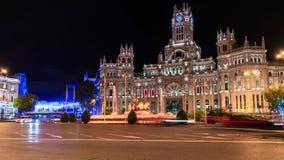 圣诞装饰和光在马德里在夜之前 免版税库存照片