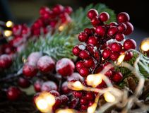 圣诞装饰和光特写镜头 免版税图库摄影